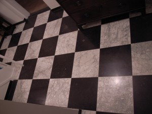 Zwart wit geblokt vloer u materialen voor constructie